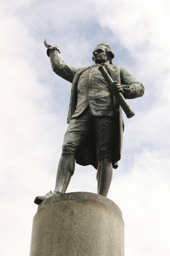 statue, James Cook, Sydney, Australia, explorer