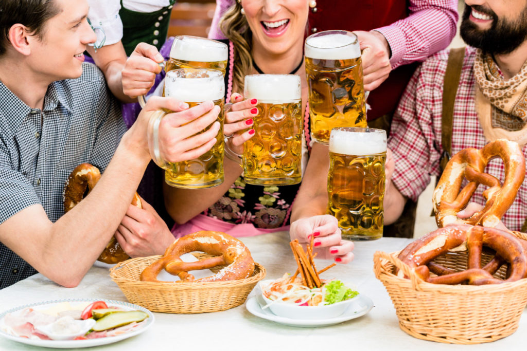Mnich, Brezel, Pretzel, Beere, Colourful, Fun, City of Football 2020, royalty free, photo, stockphoto, stockagency, panthermedia