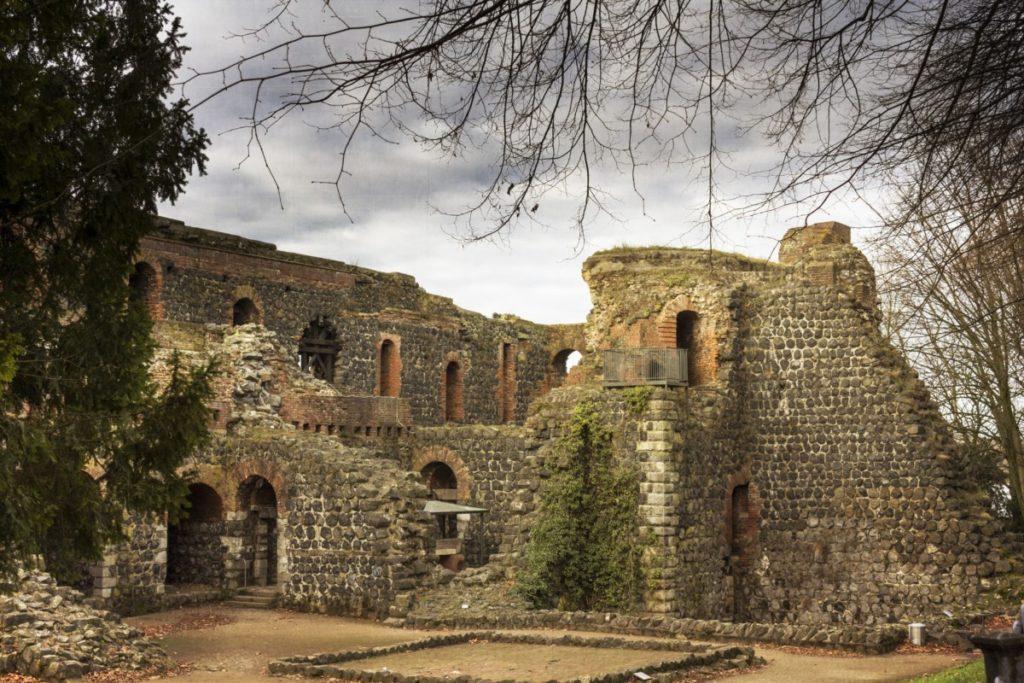 deutschland,düsseldorf,ruinen des kaiserhauses in kaiserswerth