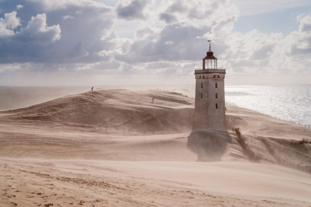 strand dänemark meer sandsturm sonne leuchtturm lizenzfrei fotos bilder