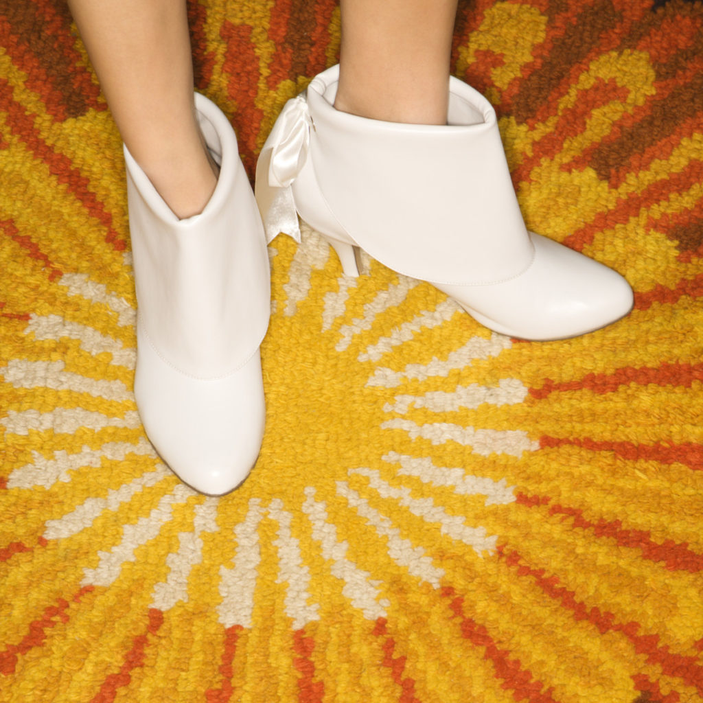 Stiefel Sunburst teppich lizenzfrei royalty free günstig panthermedia füße foto