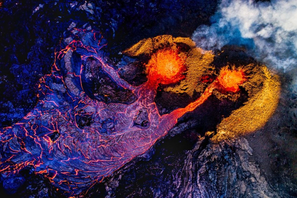 Drohnenfotos Lizenzfreies Bild Luftaufnahme aktiver Vulkan Geldingadalir-Tal Fagradalsfjalli-Berg Reykjanes-Halbinsel Island PantherMedia