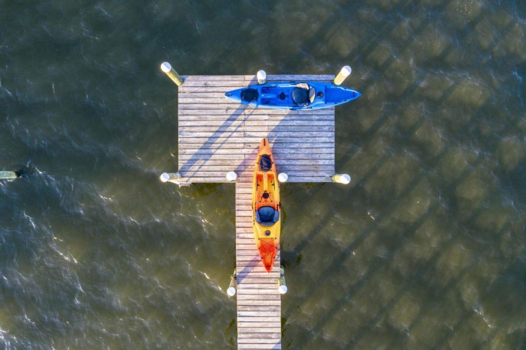 Luftaufnahme Steg Kanu Indian River Lagune Sebastian Oaks Florida Vereinigte Staaten lizenzfreie bilder Drohnenfotos panthermedia